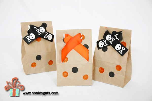Halloween treat bag - at Non Toy Gifts