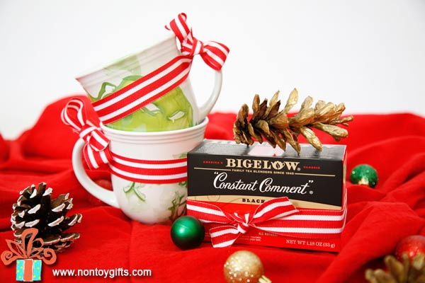 An easy DIY holiday gift for teachers that takes less than five minutes to put together. - at Non Toy Gifts