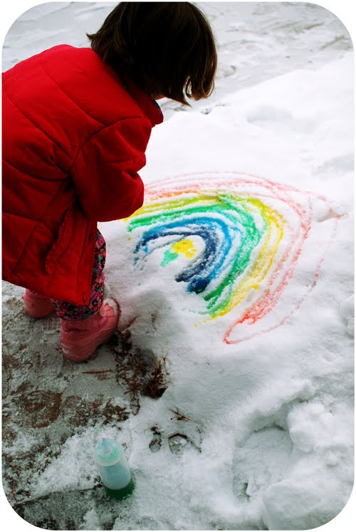 Pain snow - one of the 20 outdoor snow activities for kids. Be prepared for that snowy day when school is off and kids want to go outside and play. This list of snow and ice activities for kids of all ages is just what you need for any winter day. | at Non Toy Gifts
