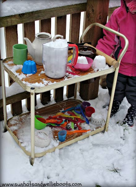 Make a snow kitchen - one of the 20 outdoor snow activities for kids. Be prepared for that snowy day when school is off and kids want to go outside and play. This list of snow and ice activities for kids of all ages is just what you need for any winter day. | at Non Toy Gifts