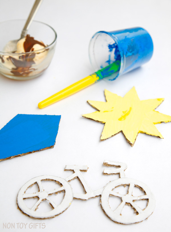 Recycle cardboard into a summer craft for kids