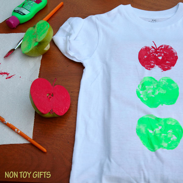 apple printed t-shirt - easy fall craft for kids