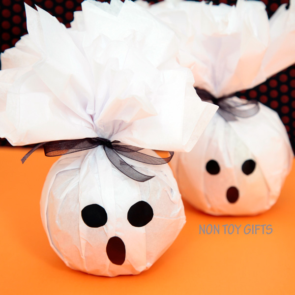 Healthy ghost treats to make for kids for Halloween - apple or orange treats