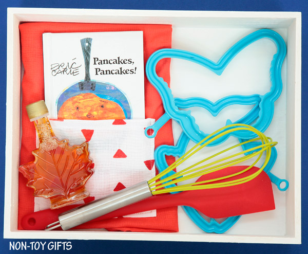 A DIY cupcake kit for kids that little bakers will love. A homemade gift to put together for your child's birthday, Christmas or just because.   at Non-Toy Gifts