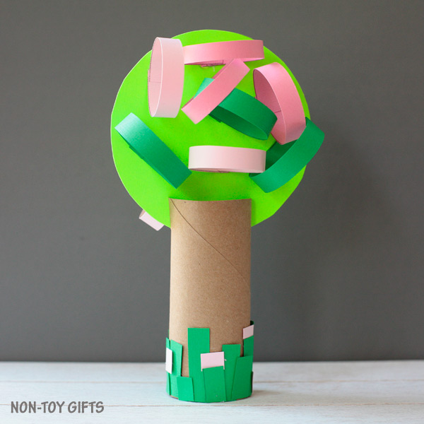 Four season paper roll tree craft spring