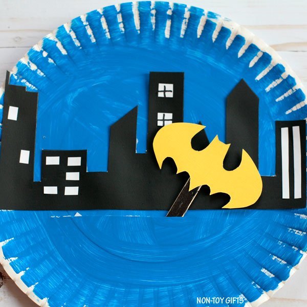 Paper plate Batman craft fro kids who are into superheroes.