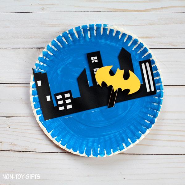 Easy paper plate Batman craft