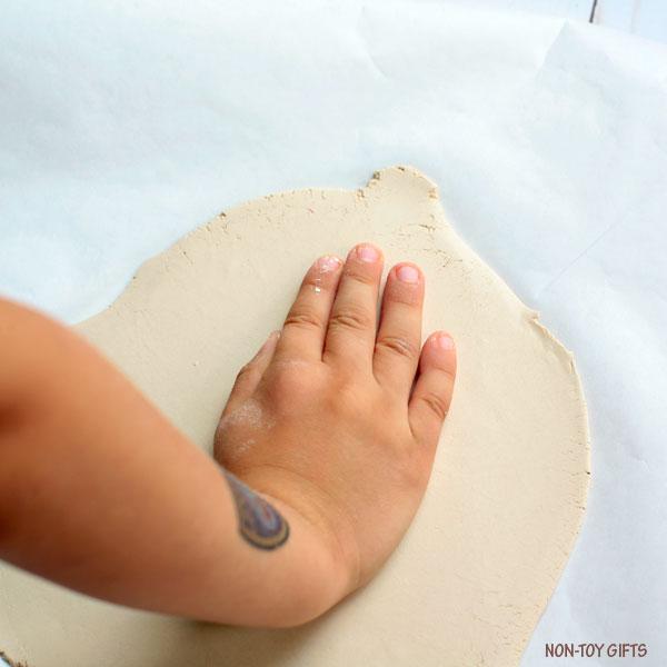 Handprint Halloween keepsake 1