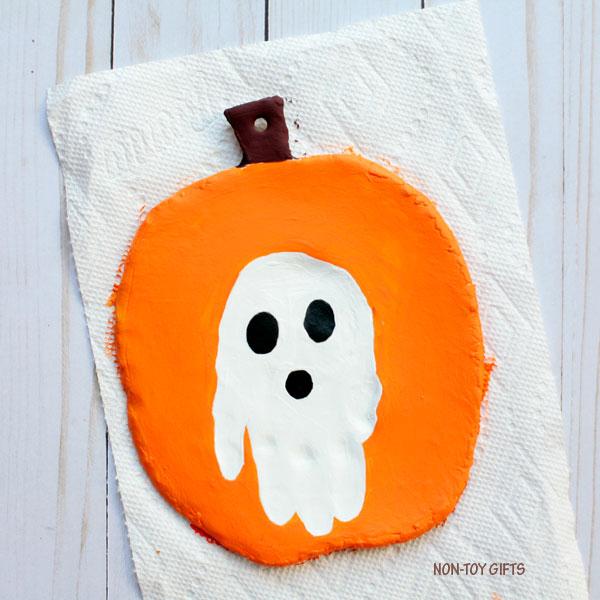 Handprint Halloween keepsake 3