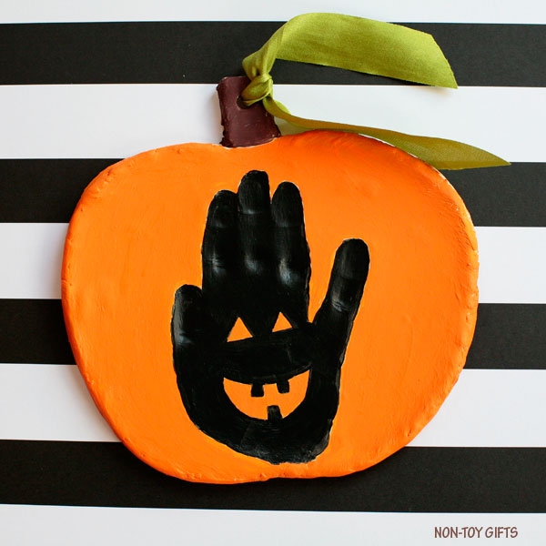 Handprint Halloween keepsake : Jack-o-Lantern