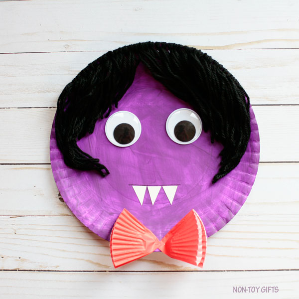 Paper plate vampire craft for preschoolers and older kids