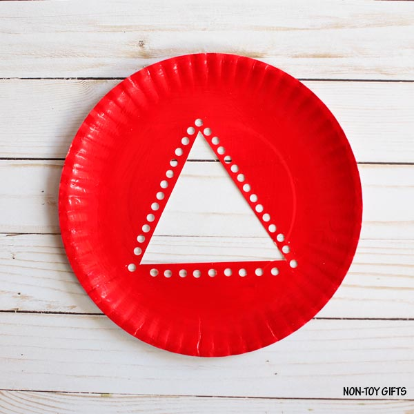 Red paper plate & Paper plate Christmas tree craft for kids |