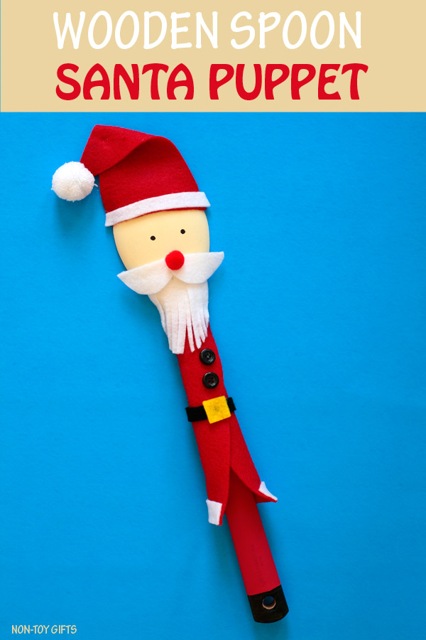 Wooden spoon Santa puppet. A cute Christmas craft. DIY toy for kids. | at Non-Toy Gifts #Santacraft #Christmascraft