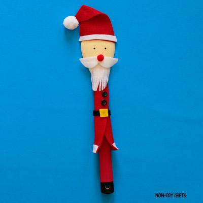 Wooden spoon Santa puppet – Christmas craft