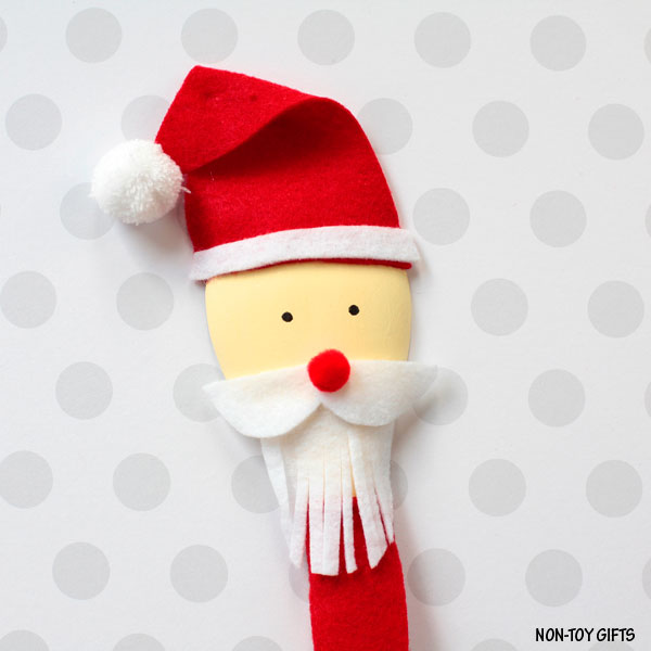 Wooden spoon Santa puppet craft