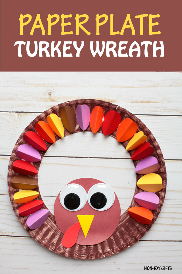 Paper plate turkey wreath - Thanksgiving craft to make with preschoolers, kindergartners and older kids | at Non-Toy Gifts #turkeycraft #Thanksgivingcraft