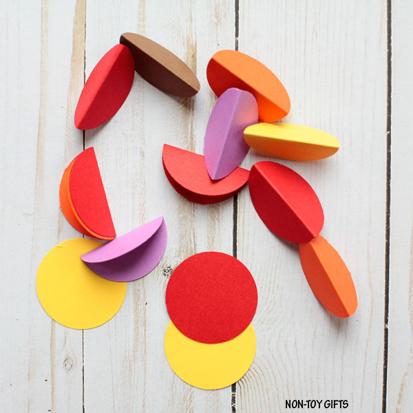 Paper plate turkey wreath - paper circles