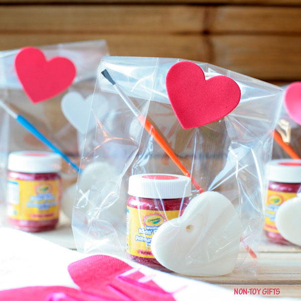 Paint your own heart kit - DIY Valentine gift for kids