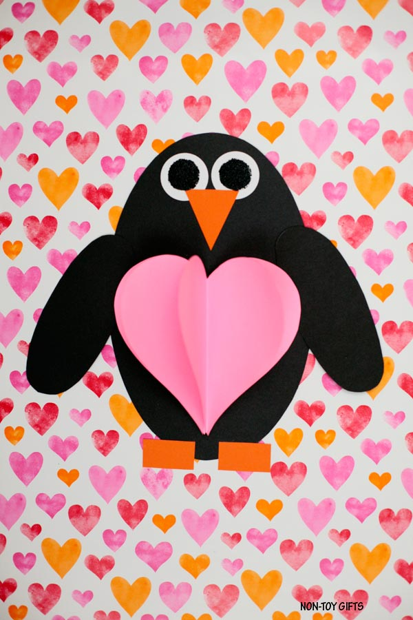 Shape penguin with 3D heart craft for Valentine's Day #ValentinesDaycraft #penguins #penguincraft #heartcraft