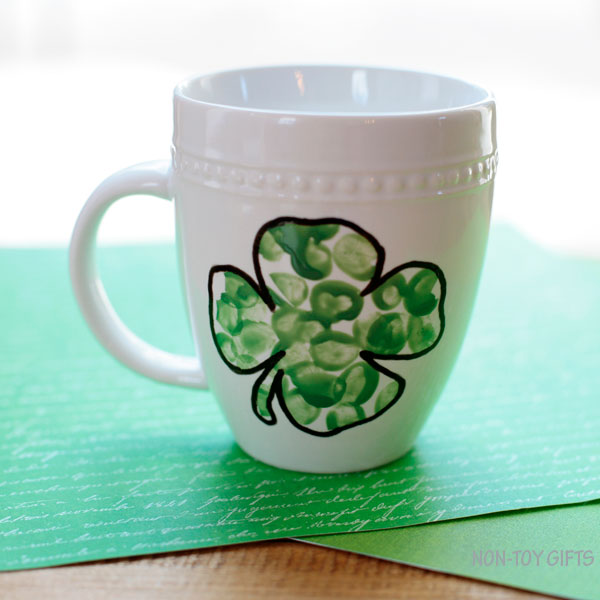 Fingerprint shamrock mug for kids to make
