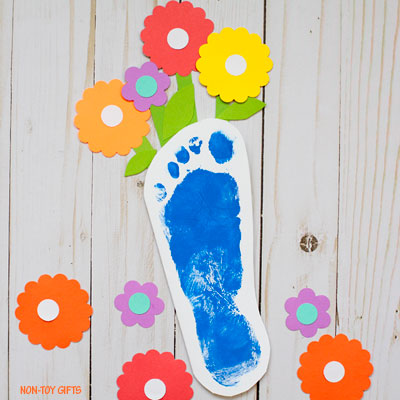 Footprint flower card for Mother's Day