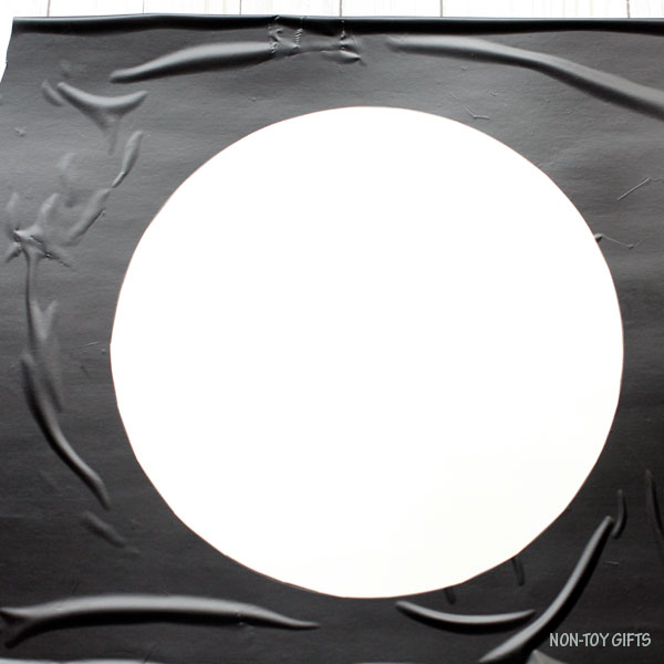 Circle contact paper