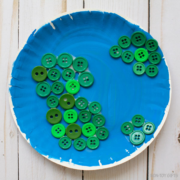 Button Earth craft for kids