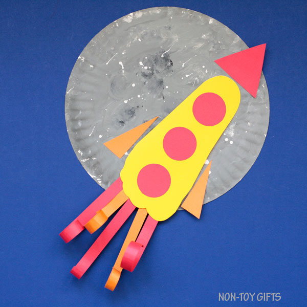 Paper plate footprint Father's Day craft for kids