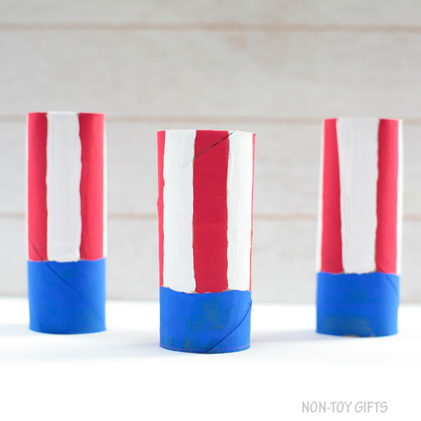Paper roll flag craft