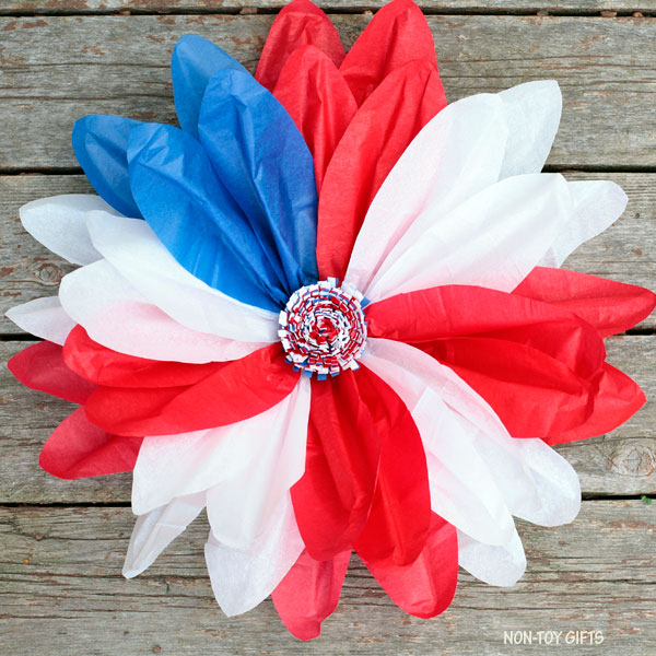 Tissue paper patriotic flower wreath decor