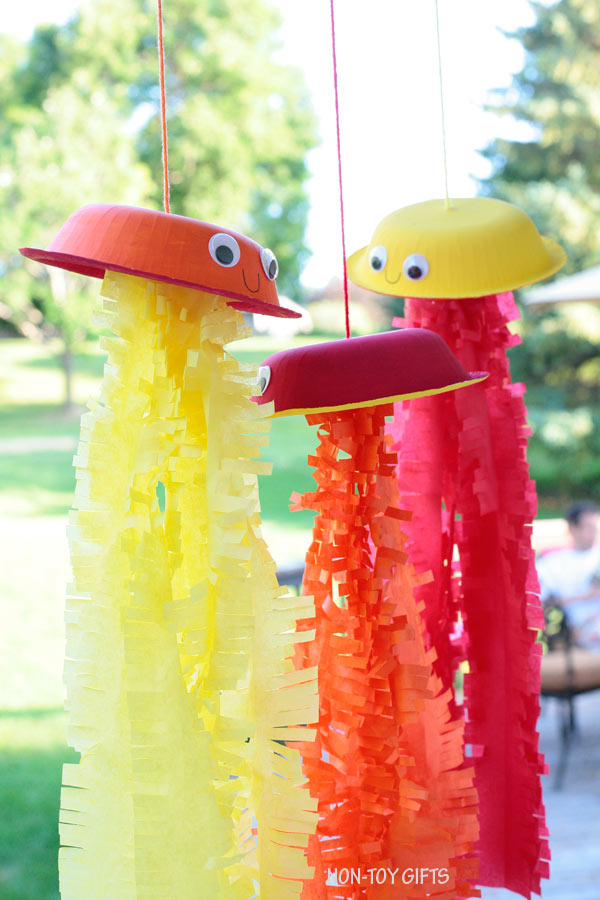 Summer jellyfish craft for kids