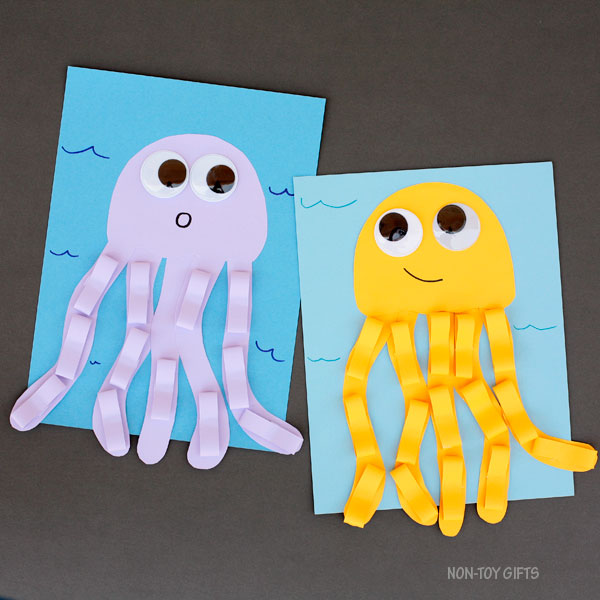Jellyfish Craft For Kids Easy And Fun Ocean Or Under The Sea Craft