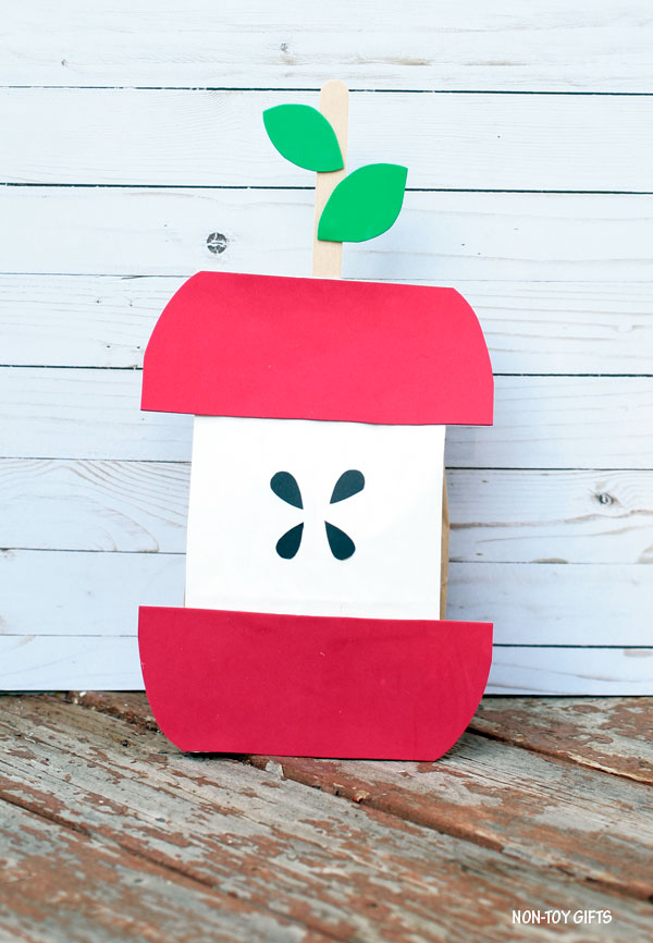 Stuffed paper apple craft for kids to make this fall or for back to school