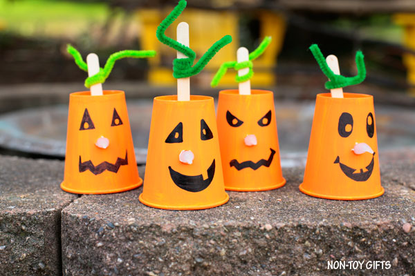 Paper cup pumpkin craft for kids