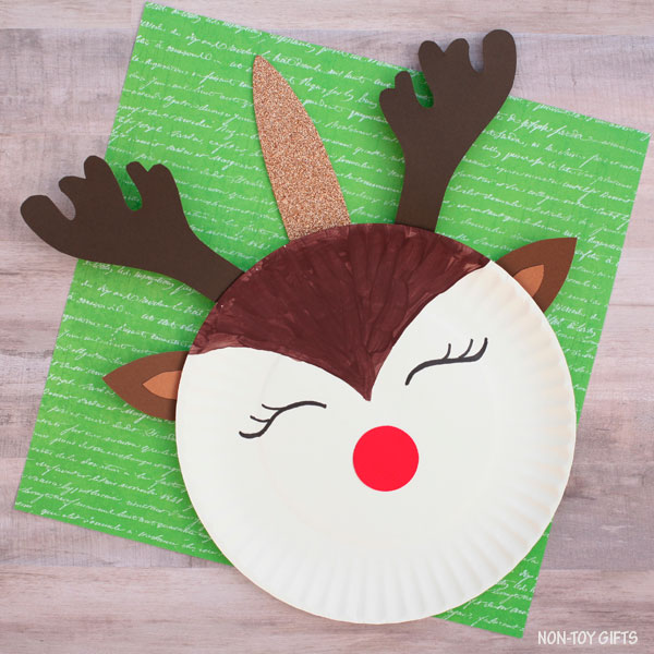 Paper plate reindeer unicorn craft for preschoolers