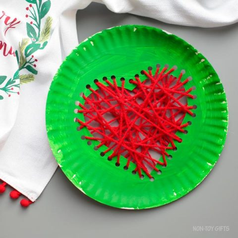 Paper plate Grinch's heart craft