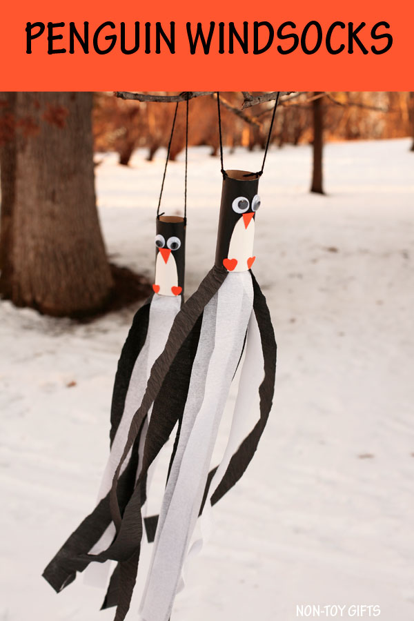 Penguin windsocks - Winter windsocks for kids to make. Use paper rolls for this winter craft. #penguin #wintercraft