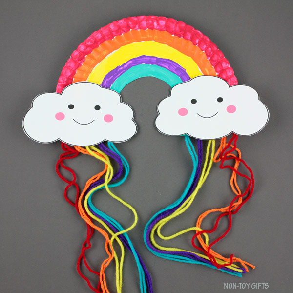 Paper plate and yarn craft for kids