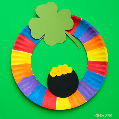 St Patrick's Day wreath craft