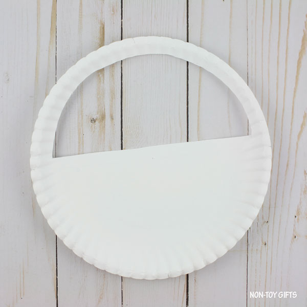 Window in the paper plate
