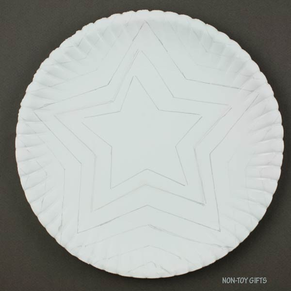 Trace more stars on paper plate