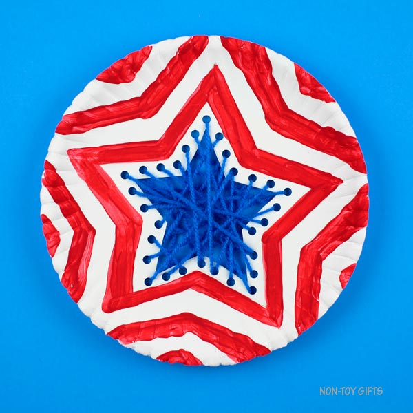 Easy yarn American flag craft