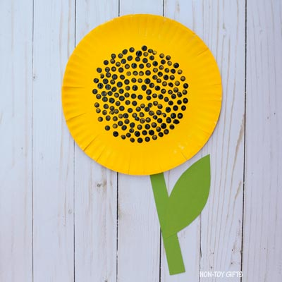 Paper plate sunflower craft