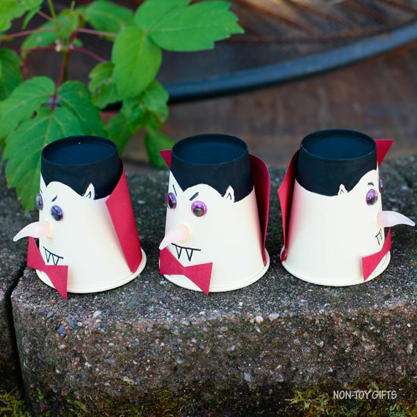 Easy vampire Dracula craft for kids