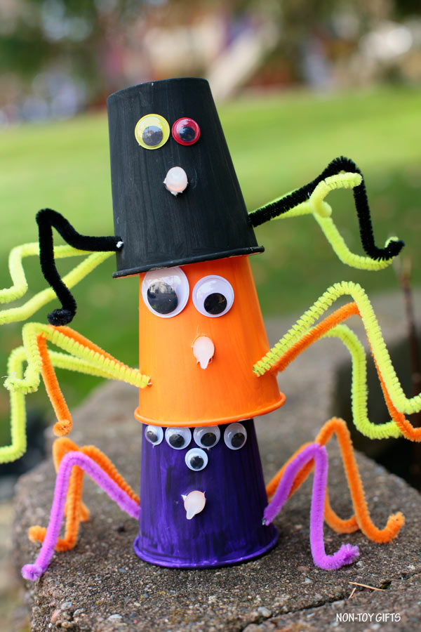 Paper cup spider craft for kids