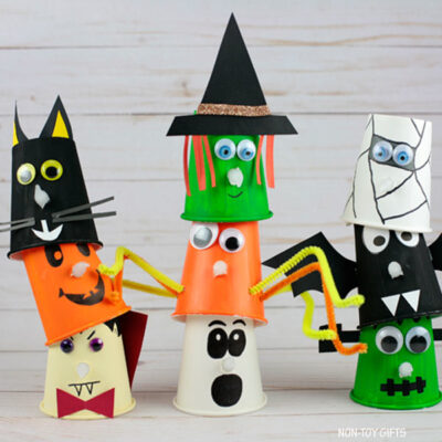 Paper cup Halloween crafts