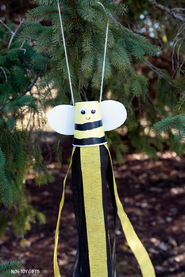 Paper cup bee windsocks for kids to make this spring