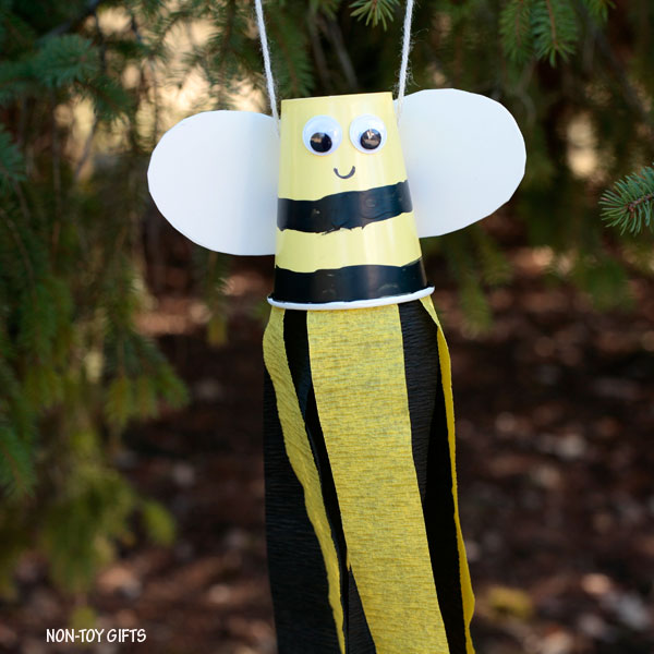 bee windsocks craft
