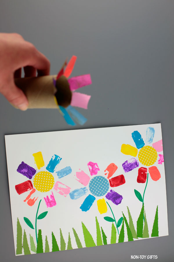 Easy paper roll flower art