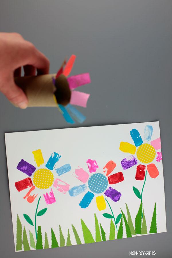 Easy paper roll flower art